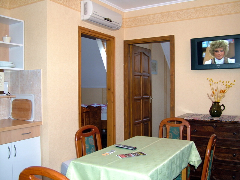 Gyula Apartment 11