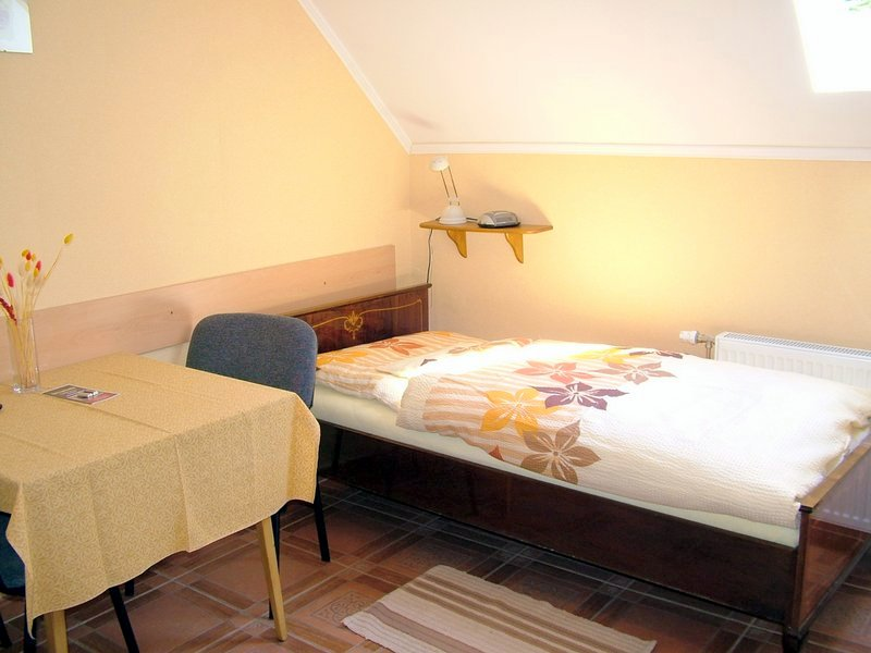 Gyula Apartment - single beds